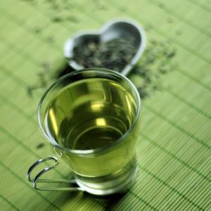 Cómo Usar Té Verde para las Verrugas Genitales