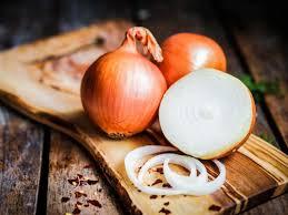 Cebolla y sal para quitar las verrugas genitales