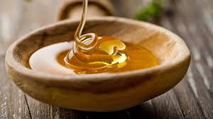 Toma miel para eliminar el herpes labial