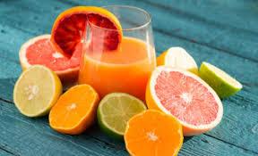 Jugos de frutas cítricas para las verrugas